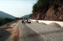 National Highway 8 north of Dawei. By HO Pik Lam Theodora, 2017.