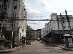 Navanakorn Industrial Park (Thailand) housing estate. By CHAN Ka Ying, 2015.